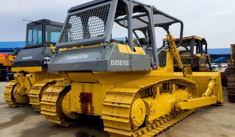 Komatsu D85ESS-2 Bulldozer full
